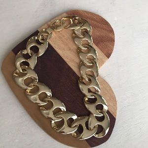 Jewelry - Gold tone necklace vintage